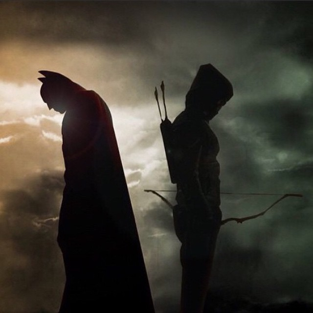 Side by side #arrow and the #darkknight taking on those who dare prey on the innocent. #dc